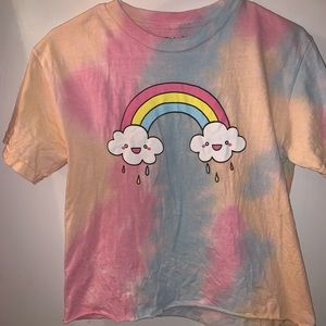 cropped tee 🌈🌧